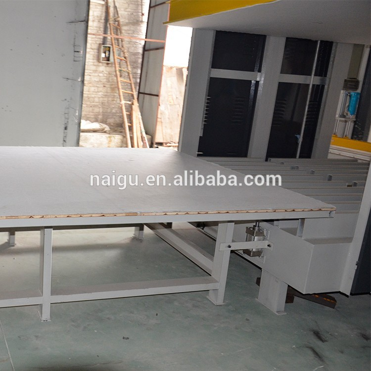 China NaiGu factory foam compression vacuum packaging machine